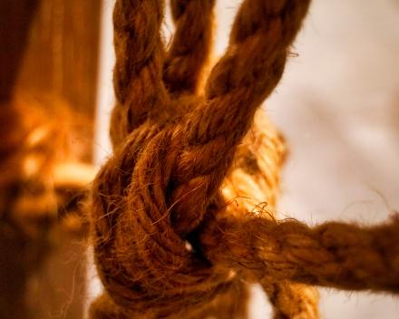 Knot wrope Photo by Thomas Kinto